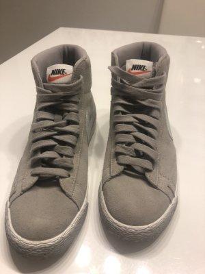 Nike Schuhe Gr. 38,5