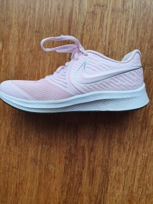 Nike Schuhe Gr. 4,5 (ca. 36/37)