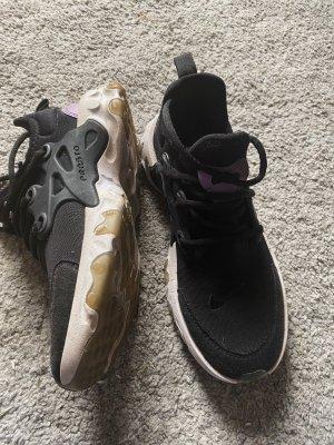 Nike Schuhe in der Größe 36,5