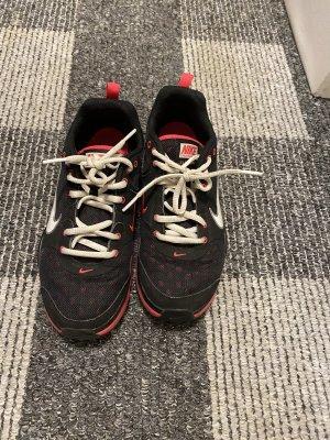 Nike Schuhe neu in 37