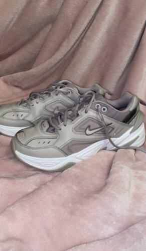 Nike Schuhe/Sneaker/Turnschuhe Teknos