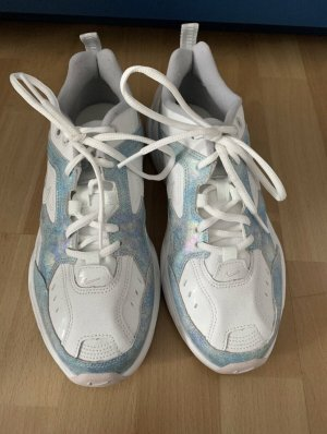 Nike Schuhe Tekno
