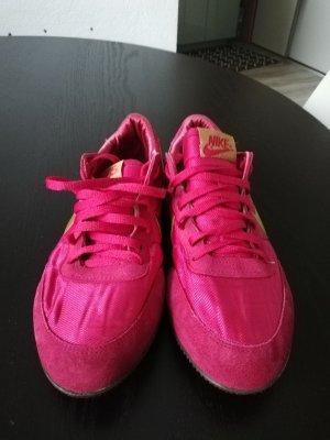 Nike Lace-Up Sneaker pink-gold orange