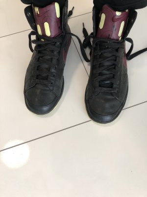 Nike Schuhe wie neu echtes Leder