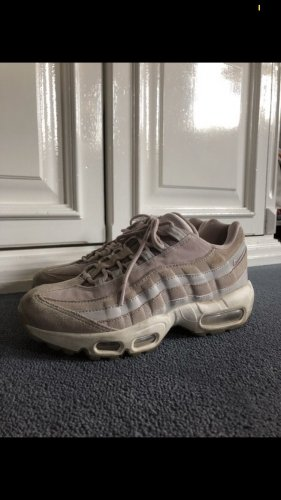 Nike Schuhe zu verkaufen