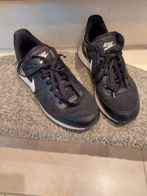 Nike schwarz weiß 38