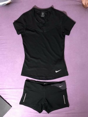 Nike Set: Top und shorts Gr. S