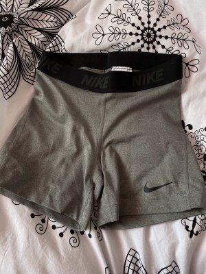 Nike Shorts grau Größe XS dri-fit