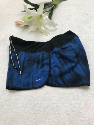 nike shorts in gr. L