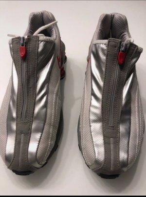 Nike Shox Schuhe aus dem Jahre 2002;Aus Amerika