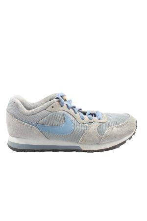 Nike Skaterschuhe hellgrau-blau Schriftzug gedruckt Casual-Look