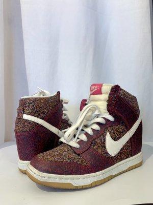 Nike Sky Hi, Keilabsatz Schuh