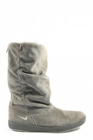 Nike Slouch Boots light grey casual look