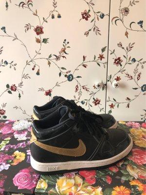 Nike Sneaker stringata oro-nero