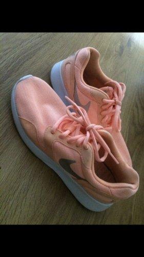 Nike sneaker 36 apricot