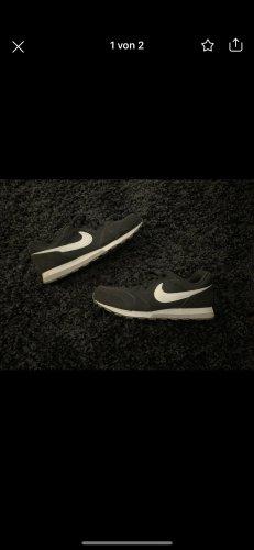 Nike Sneaker 37.5