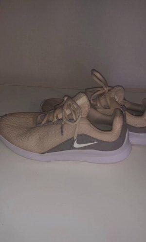 Nike sneaker (38)