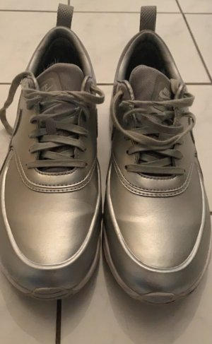 Nike Lace-Up Sneaker silver-colored