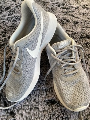 Nike Lace-Up Sneaker light grey-white