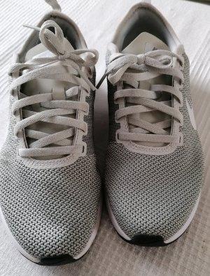 Nike Sneaker ANGEBOT NUR FÜR FEBRUAR.. DANN ERHÖHE ICH WIEDER