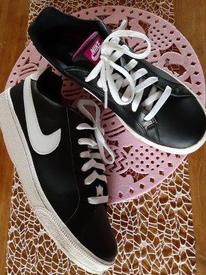 Nike Sneaker Damen Court Majestic 42