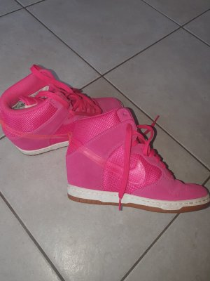 Nike High Top Sneaker pink