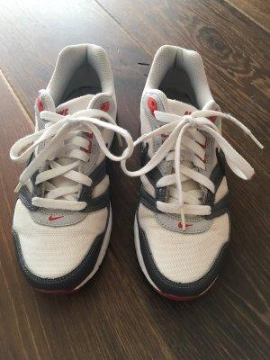 Nike Sneaker   fast Neu
