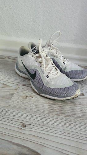 Nike Sneaker Flex Tr6