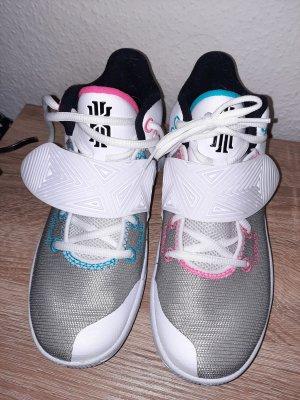Nike Sneaker Flytrap