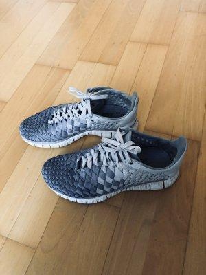 Nike Sneaker gewebt