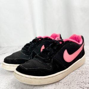 Nike Sneaker Gr. 36,5 UK 4 schwarz rosa