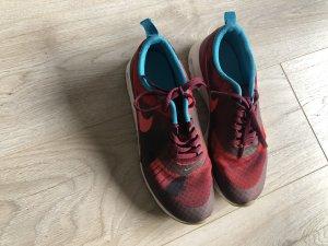 Nike Sneaker Gr. 39