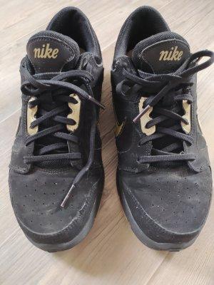 Nike Sneaker gr.39 schwarz gold