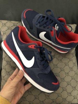 Nike Sneaker Gr.40 wie neu!