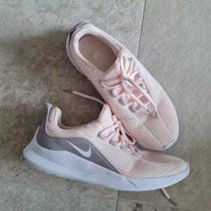 Nike Sneaker Gr41.....Neuwertig