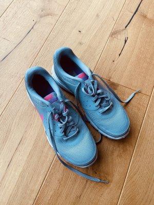 Nike Sneaker grau
