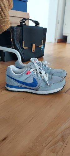Nike Sneaker, grau