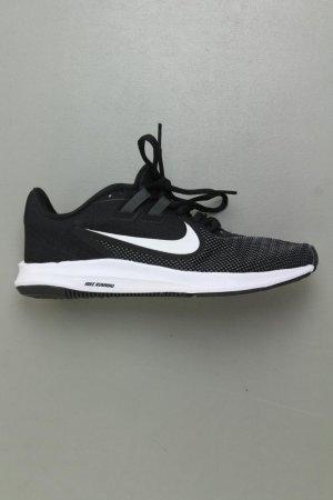 Nike Sneaker Größe 37 neuwertig schwarz