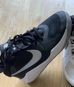 Nike Sneaker Größe 38