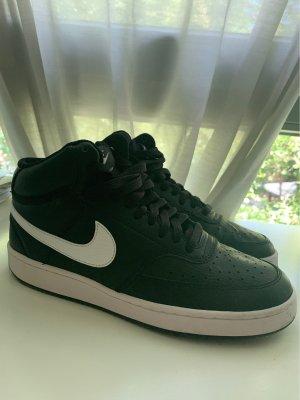 Nike Sneaker Größe 40,5