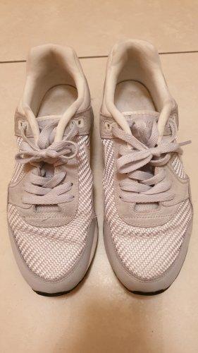 Nike Lace-Up Sneaker light grey