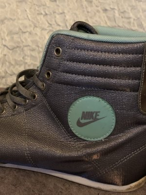 Nike Sneaker high top Silber