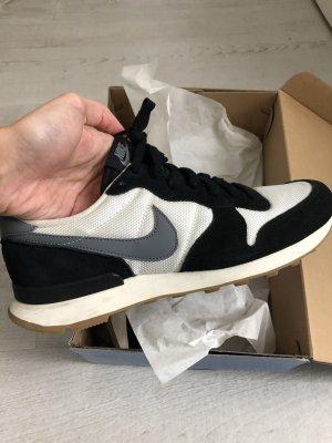 Nike Sneaker Internationalist weiß schwarz