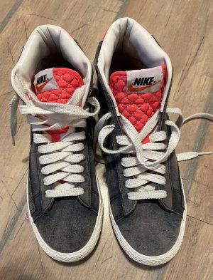Nike Sneaker Jeansblau /Pink 40