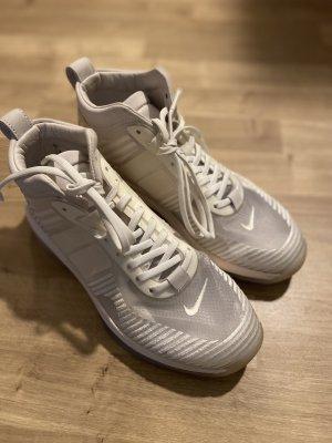 Nike Sneaker: Lebron James x John Elliot