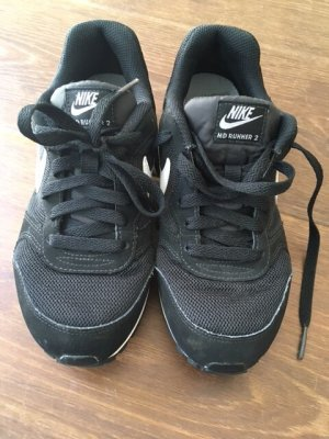 Nike Sneaker MD Runner 2 Grösse 37,5