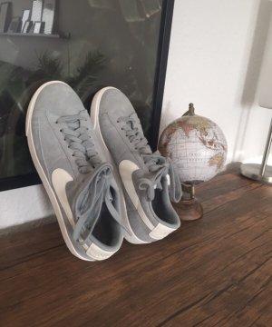 Nike sneaker mint