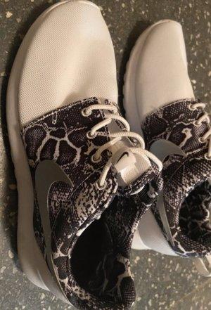 Nike Sneaker mit Schlangenmuster **special Edition **