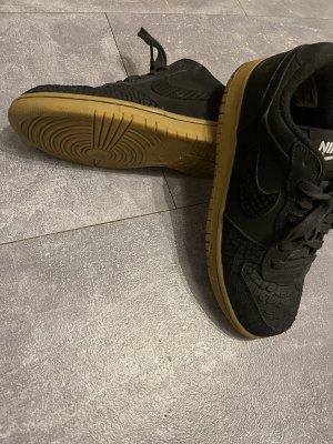 "Nike Sneaker Modell: NIKE BIG LOW LUX ""GUM LIGHT"" -Snake Look"
