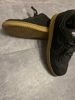 "Nike Sneaker Modell: NIKE BIG LOW LUX ""GUM LIGHT"" -Snake Look"